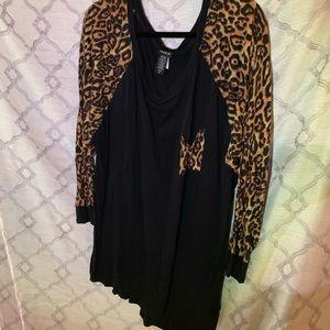 Long sleeve cotton raglan cheetah print top